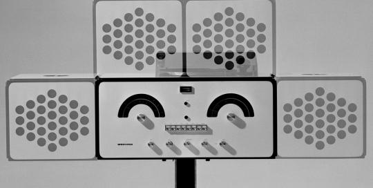 Chaine stereo Achille Castiglioni Brion Vega - Photo Carol-Marc Lavrillier