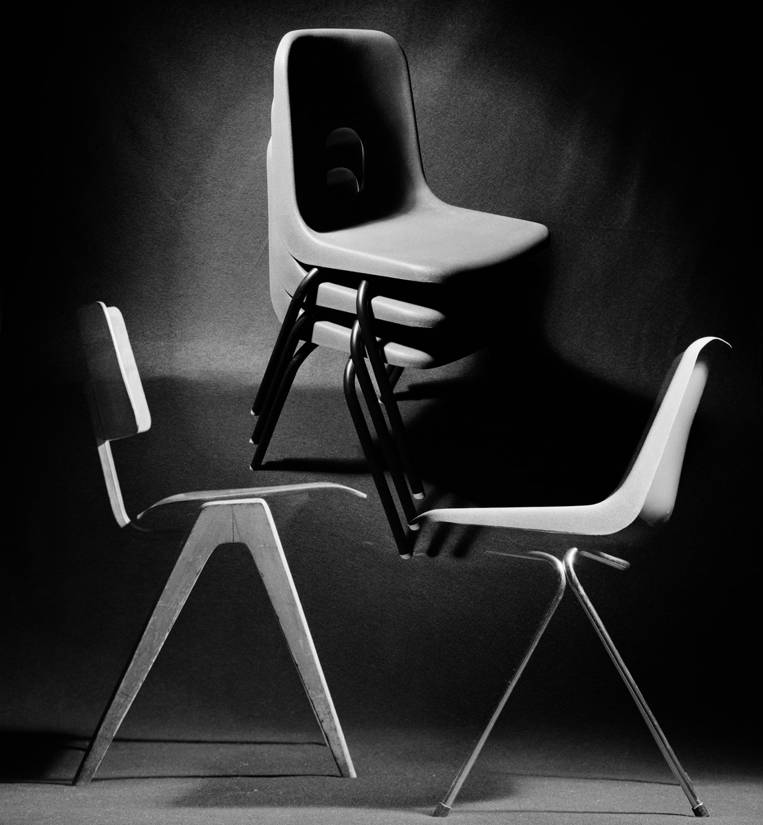 Chaise empilable Robin Day - 1958 - Photo Carol-Marc Lavrillier-75