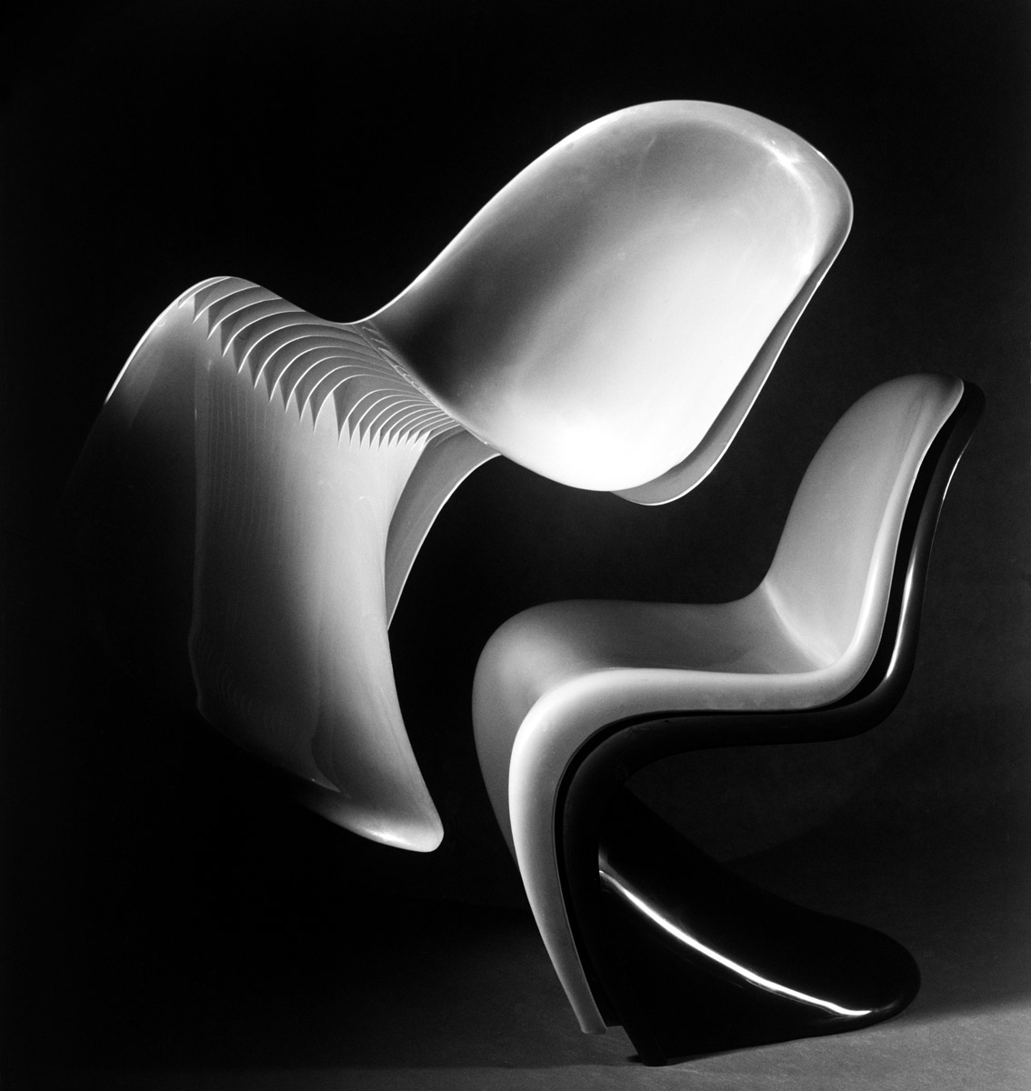 Panton Chair - Verner Panton - Photo Carol-Marc Lavrillier
